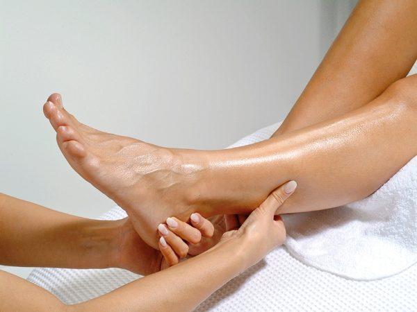 Anticeliulitinis medaus masažas