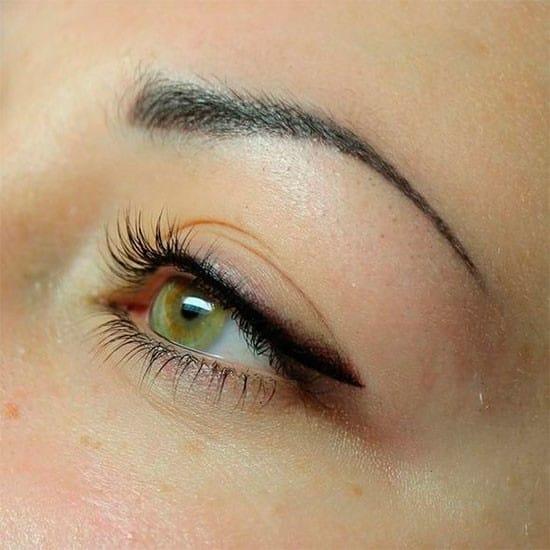 Viršutinių akių vokų permanentinis makiažas