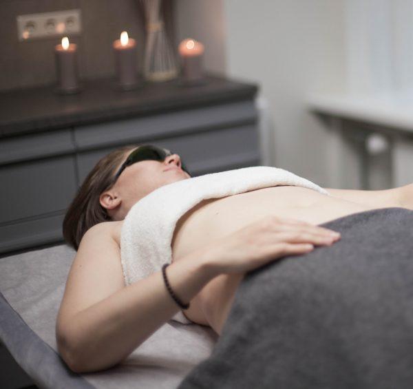 Pilvo srities masažas